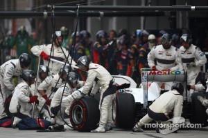 Sergio Perez, Sauber F1 Team  pit stop