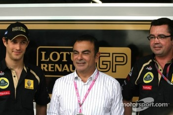 Bruno Senna, Renault F1 Team, Carlos Ghosn, CEO Renault-Nissan and Eric Boullier, Team Principal, Lotus Renault GP