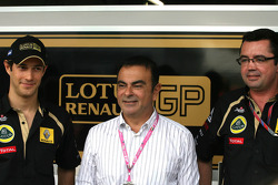 Bruno Senna, Renault F1 Team, Carlos Ghosn, CEO Renault-Nissan and Eric Boullier, Team Principal, Lotus Renault GP