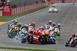 Trouble for Alvaro Bautista