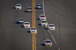Kasey Kahne, Hendrick Motorsports Chevrolet leads the field onto pit road