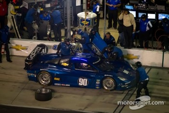 Pit stop for #90 Spirit of Daytona Corvette DP: Antonio Garcia, Oliver Gavin, Jan Magnussen, Richard Westbrook