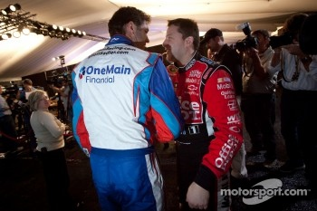 Elliott Sadler, Kevin Harvick Inc. Chevrolet and Tony Stewart, Stewart-Haas Racing Chevrolet