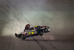 Lap 74 crash: Jeff Gordon, Hendrick Motorsports Chevrolet crashes and flips upside down