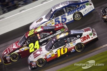 Greg Biffle, Roush Fenway Racing Ford, Jeff Gordon, Hendrick Motorsports Chevrolet, Mark Martin, Michael Waltrip Racing Toyota