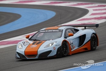 #90 Gulf Racing McLaren MP4-12C GT3: Michael Wainwright, Rob Bell