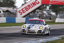 #022 Alex Job Racing Porsche 911 GT3 Cup: Cooper MacNeil, Leh Keen, Louis