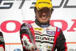GT300 podium: class winner Tetsuya Tanaka
