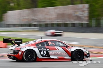 #40 Sainteloc Racing Audi R8 LMS: ultra: Gregory Guilvert, David Halliday, Jerome Demay