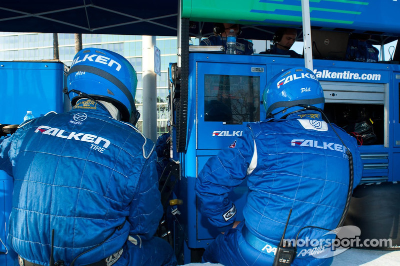 Team Falken Tire Crew Members