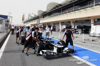 Williams FW34 heads to scrutineering