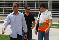 David Coulthard, Red Bull Racing and BBC Television Commentator, Brian Vickers and Paul di Resta, Sahara Force India F1