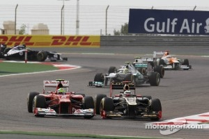 FIA clears up whether a move like this one between Felipe Massa and Kimi Raikkonen is a block