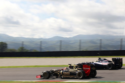 Romain Grosjean, Lotus F1 Team and Bruno Senna, Williams F1 Team