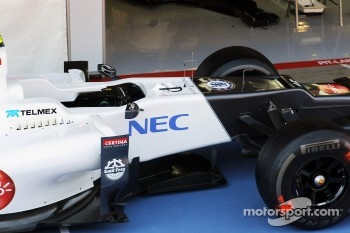 Chelsea Football Club badge on the Sauber F1 Team C31