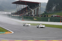 1st lap, the leading #2 Audi Sport Team Joest Audi R18 e-tron quattro: Allan McNish, Tom Kristensen, Rinaldo Capello