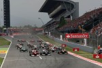 Start of the race, Fernando Alonso, Scuderia Ferrari and Pastor Maldonado, Williams F1 Team