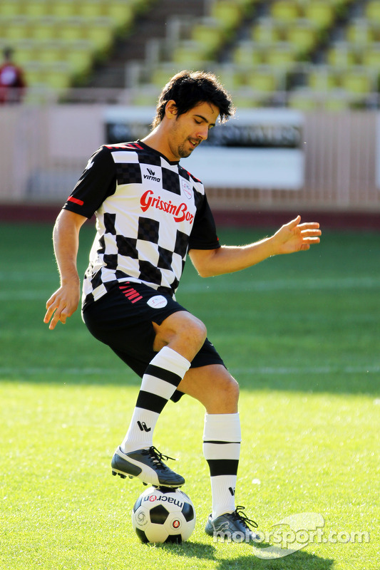 Lucas di Grassi, plays in the charity football match