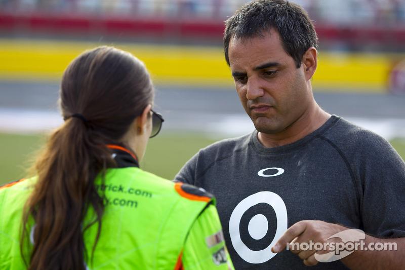 Danica Patrick, Stewart-Haas Racing Chevrolet, Juan Pablo Montoya, Earnhardt Ganassi Racing Chevrolet