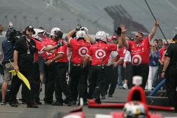 Scott Dixon, Target Chip Ganassi Racing Honda team celebrates after winning the pit stop competition