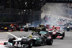 Romain Grosjean, Lotus F1 crashes at the start of the race