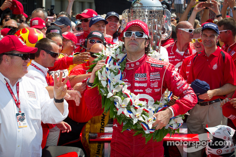 Victory circle: race winner Dario Franchitti, Target Chip Ganassi Racing Honda celebrates with Chip Ganassi