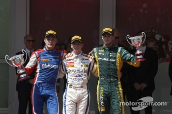 Podium: race winner Johnny Cecotto, second place Marcus Ericsson, third place Giedo van der Garde