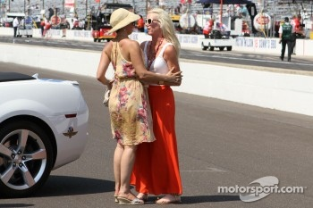 Ashley Judd and Susie Wheldon