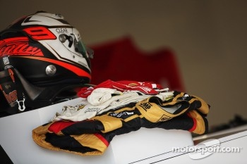 Helmet and race overalls for Kimi Raikkonen, Lotus F1 Team