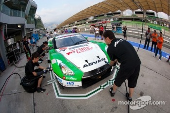 Pit stop practice for #24 Kondo Racing Nissan GT-R