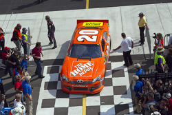 Race winner Joey Logano, Joe Gibbs Racing Toyota goes to victory lane