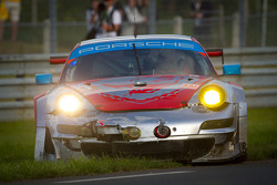 #79 Flying Lizard Motorsports Porsche 911 RSR: Seth Neiman, Patrick Pilet, Spencer Pumpelly in trouble