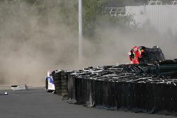 Crash between #81 AF Corse Ferrari 458 Italia: Piergiuseppe Perazzini, Matt Griffin, Nicola Cadei and #8 Toyota Racing Toyota TS 030 - Hybrid: Anthony Davidson, Sébastien Buemi, Stéphane Sarrazin