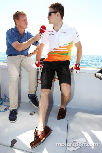 Simon Lazenby, Sky Sports F1 TV Presenter and Paul di Resta, Sahara Force India F1 on the Aethra America's Cup Boat