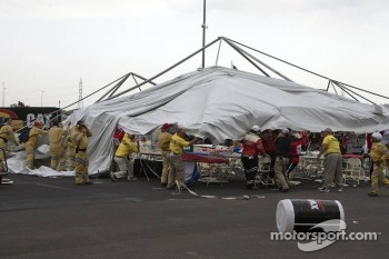 Heavy winds damaged a tent