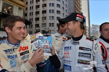 Autograph session, James Nash, Ford Focus S2000 TC, Team Aon and Tiago Monteiro, SEAT Leon WTCC, Tuenti Racing Team