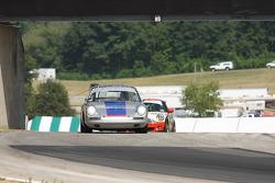 #85 1968 Porsche 911: C.H. DeHaan