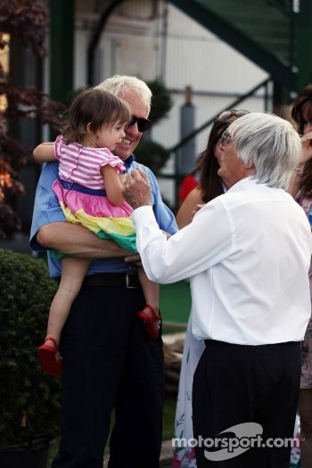 Charlie Whiting, FIA Delegate and his family with Bernie Ecclestone, CEO Formula One Group