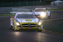 #19 Black Falcon Mercedes-Benz SLS AMG GT3: Oliver Morley, Riccardo Brutschin, Stephan Rösler, Manuel Metzger
