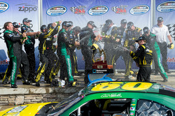 Victory lane: race winner Carl Edwards, Roush Fenway Ford