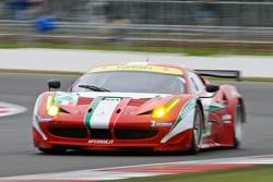 #71 AF Corse Ferrari 458 Italia: Andrea Bertolini, Olivier Beretta