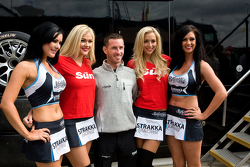 Danny Watts with Strakka Girls
