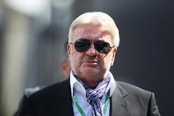 F1: Willi Weber, Agent