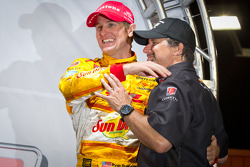 IndyCar Series 2012 champion Ryan Hunter-Reay, Andretti Autosport Chevrolet celebrates with Michael Andretti