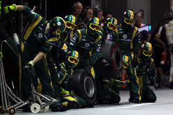 Caterham F1 Team await a pit stop