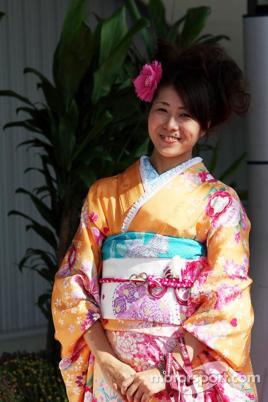 A woman in traditional Japanese dress