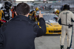 Jean-Philippe Belloc giving thumbs up during pit stop