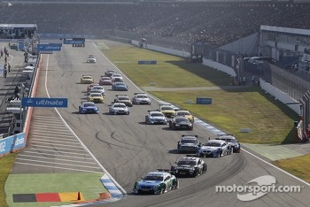 Start: Augusto Farfus Jr., BMW Team RBM BMW M3 DTM leads