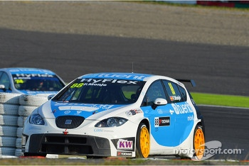 Fernando Monje, SEAT Leon WTCC, SUNRED Engineering and Pepe Oriola, SEAT Leon WTCC, Tuenti Racing Team