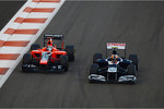 Bruno Senna, Williams passes Timo Glock, Marussia F1 Team